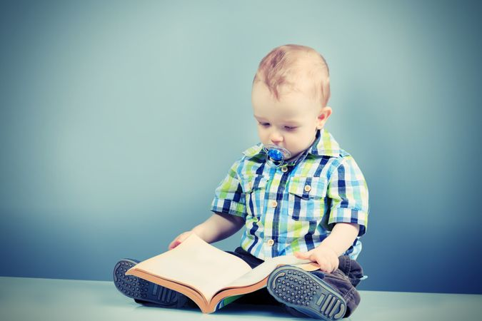 depositphotos 26701755 baby book