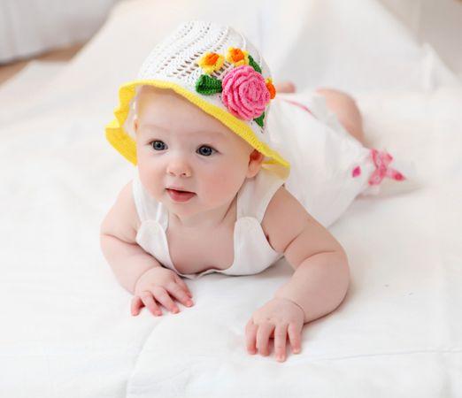 depositphotos 5808758 cute baby in hat